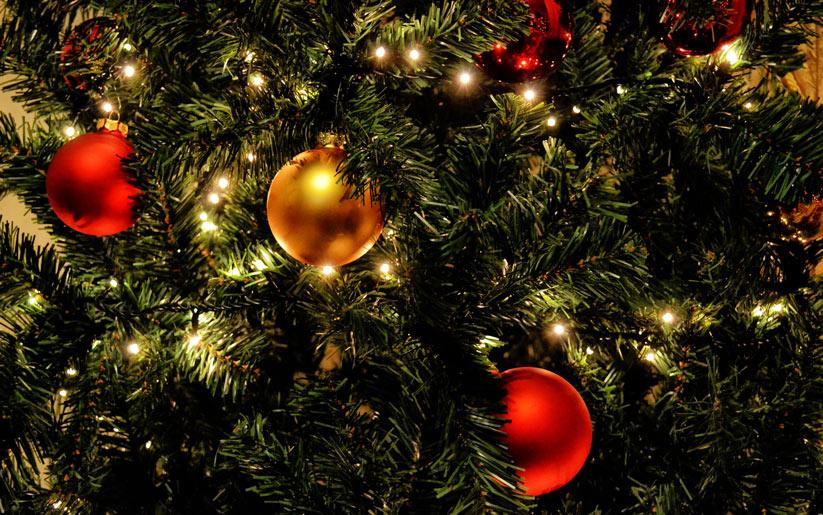 yılbaşı ağacının süslemenin sebepleri nelerdir?