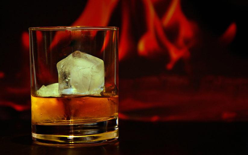 karaciğer sağlığı için alkolden uzak durmak gerekir
