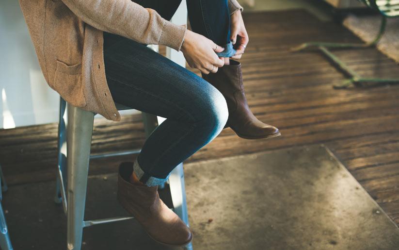 ayak sağlığı için rahat ayakkabılar edinin