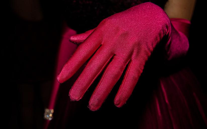 cilt sağlığını korumak için eldiven giyin
