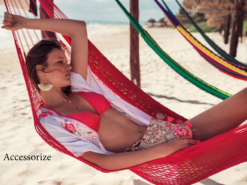2018 Yaz aylarında plaj modasında neon renkli modeller