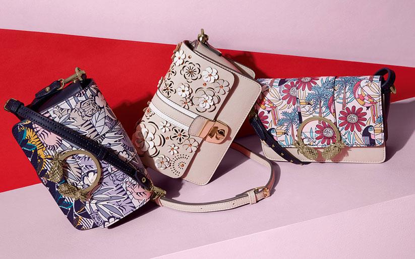 2018 popüler aksesuar trendlerinde desenli çantalar