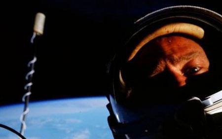 Buzz Aldrin'in Ay'daki selfiesi