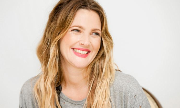 Zeki güzel Drew Barrymore